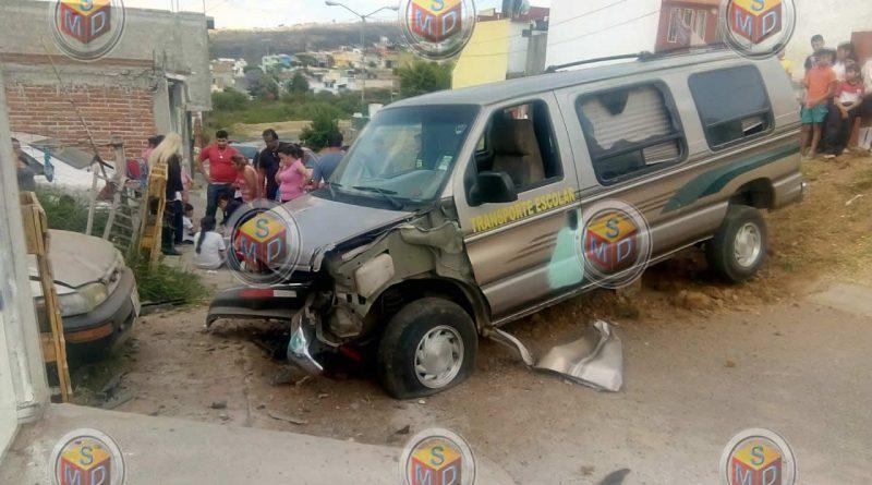 Se accidenta transporte escolar en Cumbres del Campestre Tarimbaro